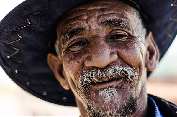 Centenarians laugh and joke a lot.  A sense of humor can help relieve tension and relieve stress.  And at the same time it reduces the risk of developing cardiovascular diseases.